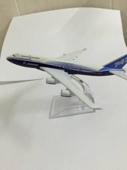 Boeing 747 large airplane model