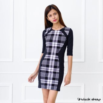 Blacksheep Plaid Quarter Sleeved Illussion Dress (Black)