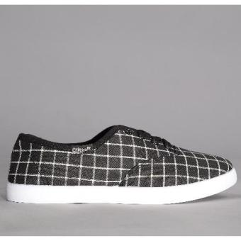 Crissa Steps Wynona Laced-up Shoes (Black)