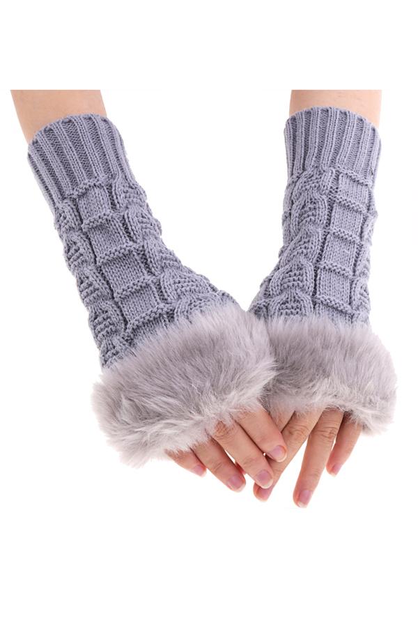 Девушки перчатки фото