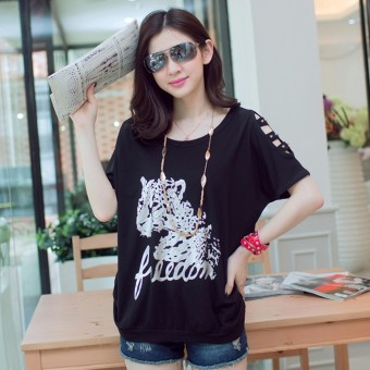 Loose Korean-style new long section off-the-shoulder T-shirt (Black)