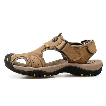 Outdoor leather breathable bumper slip sandals Baotou sandals (Khaki) (Khaki)