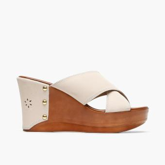 Parisian Ladies Naya Wedge Sandals (Cream)
