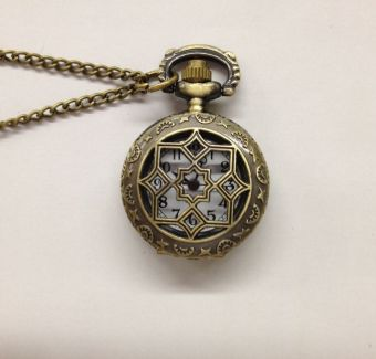 Korean-style porous small octagonal flower pocket watch