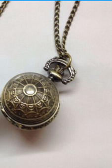 Korean-style porous small round light pocket watch