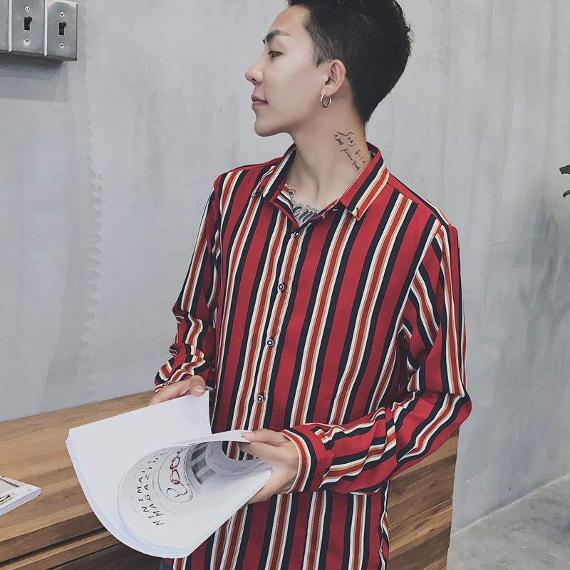 Gaya Hong Kong pasangan musim gugur model baru Sastra pakaian pria longgar motif garis Lengan panjang