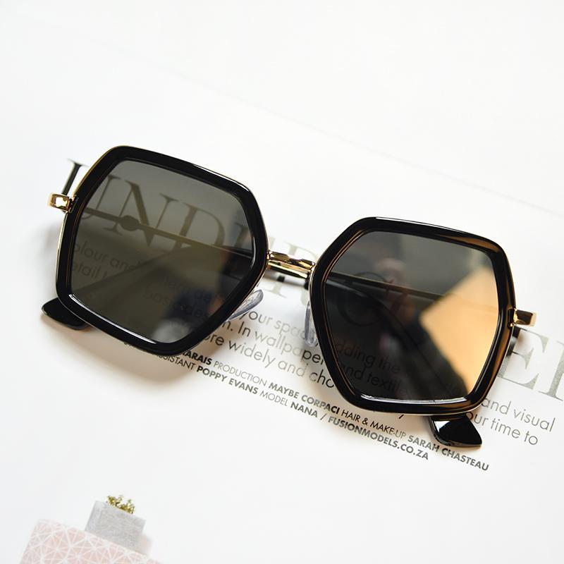 Kacamata Hitam Korea Fashion Style Baru Kaca Mata Musim Panas Pria dan  Wanita e941c51d15