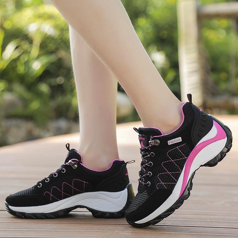 Mentee Wanita Tinggi Meningkatkan Sepatu Hiking Luar Sepatu Kets Panjat - 4 .