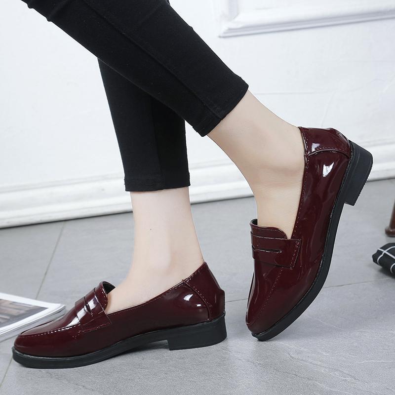 Tang Jing Bersama Gayanya Rendah Tumit Tebal dan Mudah Kulit Enamel Daftar Sepatu Di Inggris Wanita Ujung Tajam sepatu Kecil Hitam Stogy Nikmati Berkat Sepatu Wanita-Internasional