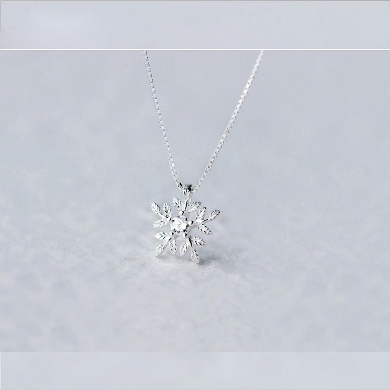 S925 perak murni bertatah berlian SNOW Kalung perempuan Jepang Korea netral liontin perhiasan minimalis kalung klavikula