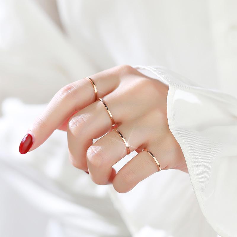 Orang Trendi Cincin 18K Jepang dan Korea Selatan Wanita Cincin Kelingking Sederhana Sangat Tipis