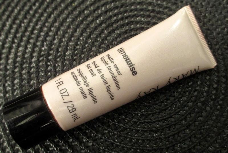 M Kay Timewise Matte Wear Liquid Foundation Ivory 5 Philippines