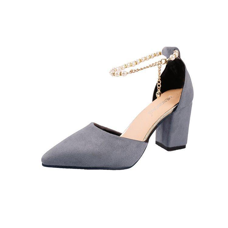 Pseudo-Mother Sepatu Wanita Ukuran Besar Kaki Sepatu Heels Pria