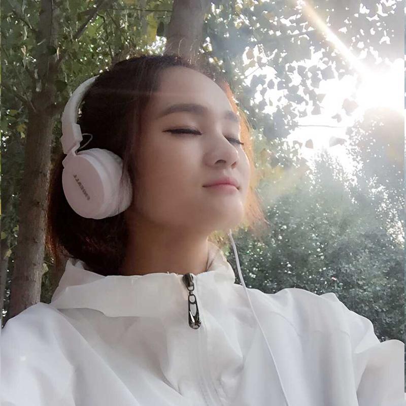 Telepon Seluler Permainan K Daftar Lagu Bore Komputer Secara Umum Menggunakan Pakaian Jenis Headphone Bas Berat Cannon dihubungkan Ke Pengendali untuk Mengambil Gandum Musik Telinga Gandum 3 Dolar-Internasional