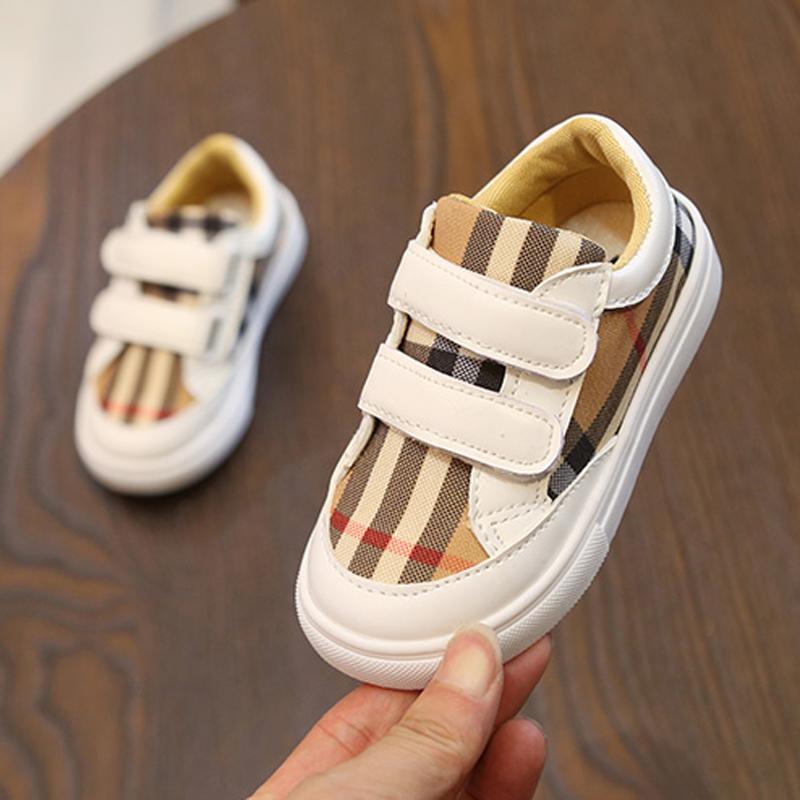 Anak laki-laki sepatu sneaker 2018 Musim Semi dan Musim Gugur model baru Gaya Korea