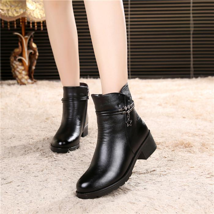 02f745f057ca Winter Large Size Mom Cotton-padded Shoes Short Boots 42 Female Flat Soft  Bottom Anti