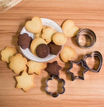 12 Valentine's Day lovely Meihua dimensional cookie cutter