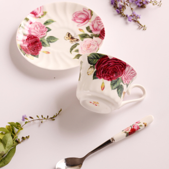 Afternoon tea cup and saucer spoon ceramic set with couple's for cup European coffee cup