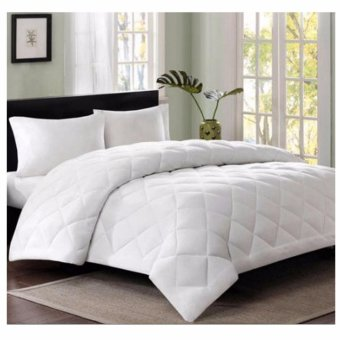 Dava Home Bedding Fiber Fill Comforter Blanket White Quilt DuvetInsert with Free Light Angel Cordless LED Night Sensor Light