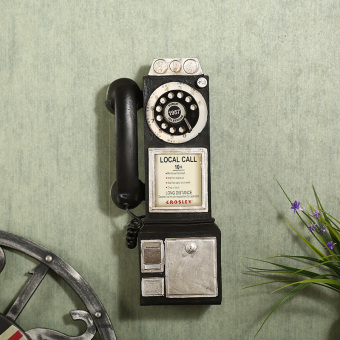 Retro European-style telephone