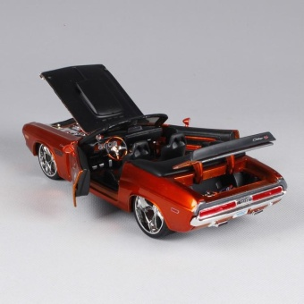 1 More than 24 Maisto 1970 Dodge Challenger Modified Alloy Automobile Simulation Model - intl - 4