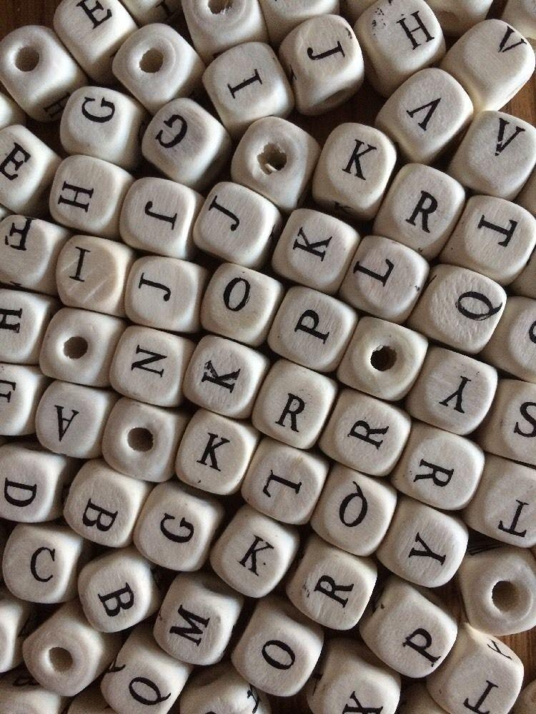 100/200/300PC10mm Natural Mixed Wooden Alphabet Letter Cube Craft Charms .