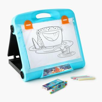 Disney Finding Dory Travel Art Easel
