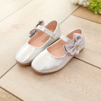 Korean-style children's pearl soft bottom shoes girls small leather shoes