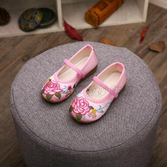 Old Beijing Spring and Autumn children's embroidered shoes cloth shoes