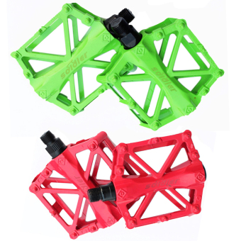2PC Bicycle Pedals Aluminum Alloy Bike Pedal (Green+Red)