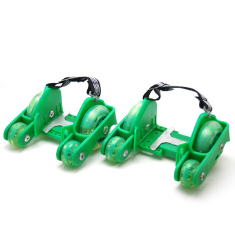 TOY KID 4 Wheels Flashing Roller Skates 0802 Scooter (Green)