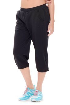 361 Degrees Knitted Cropped Pants (Black)