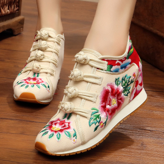 Chinese-style Women's Embroidered Wedges Beef Tendon Cloth Shoes (Off-white color)