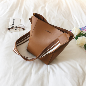 European and American female autumn New style bucket bag (Brown)