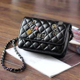 Graceful badge mini women's bag Lingge chain bag (Black)