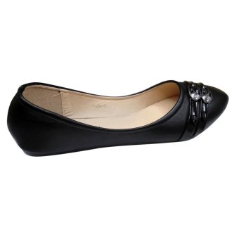 Harga lucky flat shoes (black)
