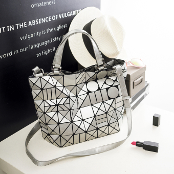 Japan and South Korea spring and summer New style laser quilted bag (Bright silver) (Bright silver)