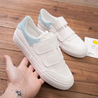 Korean-style female flat breathable shoes mesh shoes (White + light blue)