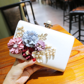 Korean-style female pearl flower crystal evening bag New style bag (White)