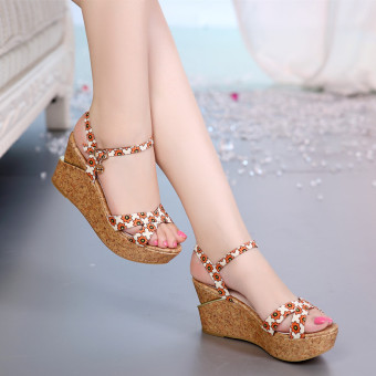 Korean-style female waterproof PLATFORM versatile women's shoes sandals (Beige Suihua)