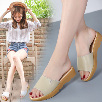 Korean-style summer new women's slippers drag sandals (Beige)