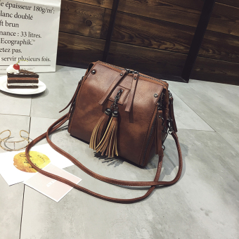 Korean-style tassled New style shoulder bag bucket bag (Brown) (Brown)