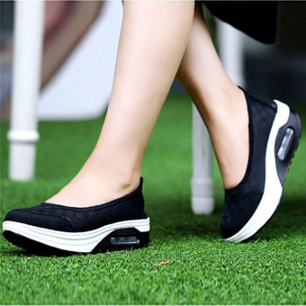 LALANG New Style Fashion Women's Shake Shoes Casual Fitness Shoes (Black) - intl