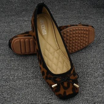 Leopard woman's head flat shoes scoop shoes (Deep Brown)