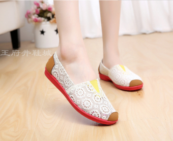 Old Beijing flat heel porous breathable cloth shoes New style women's shoes (Off-white color)