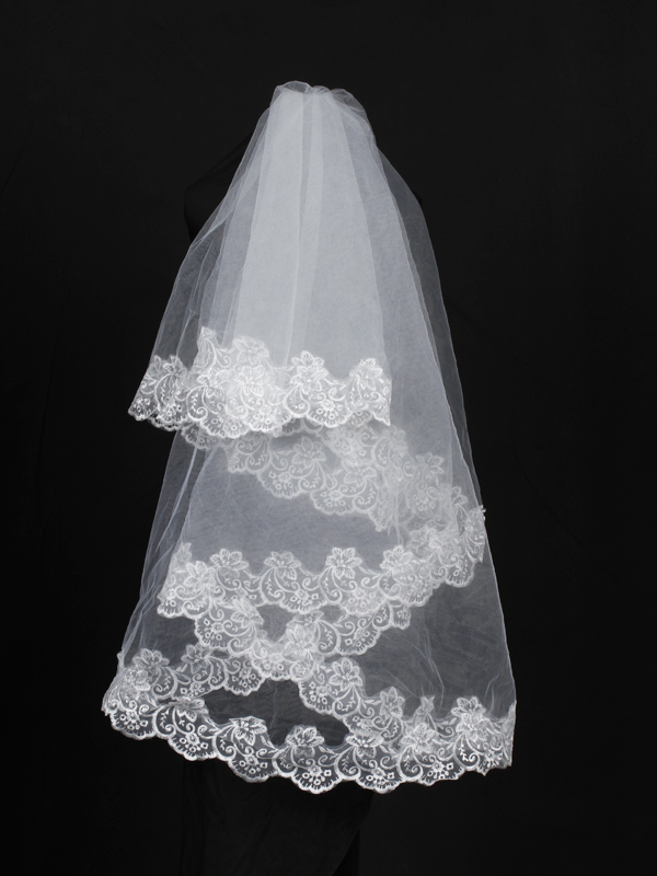 One Tier Round Wedding Veil With Lace Applique White