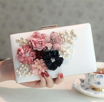 Small Square Korean-style New style pearl chain sling bag Crossbody Bag flower bag (607 white)