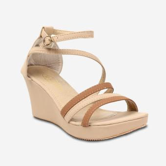 Tokkyo Shoes Women's Allegra Wedge Sandals (Apricot)