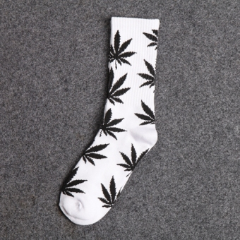 Ulzzang couple's tube Leaveland Socks (And white black leaf)