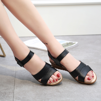 Versatile soft bottom New style flat heel mom shoes sandals (Black (TZ2256 sandals))